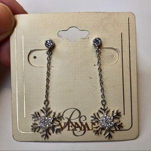 NWT! RS Covenant snowflake dangle earrings